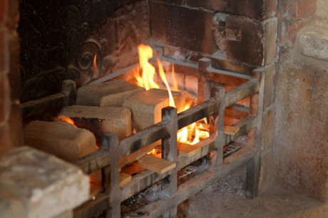 briquettes-in-fireplace